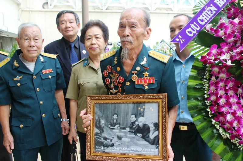 Fidel: Người truyền lửa cho phi công VN đánh chiến hạm Mỹ