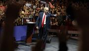 Putin bất ngờ khen Trump 'thông minh'