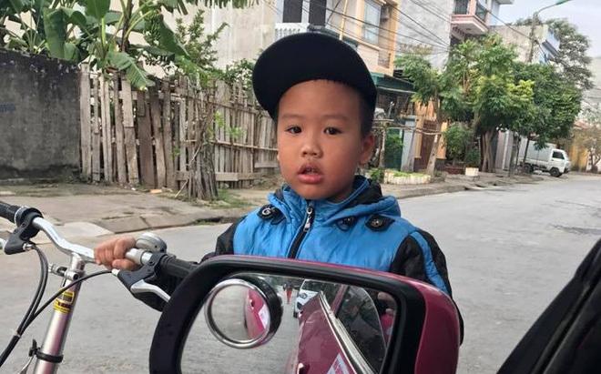 Sau cú va quệt, tài xế taxi hạ cửa kính và 'sững người' trước câu nói của đứa trẻ