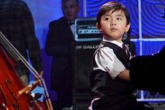 Thần đồng piano 5 tuổi gốc Việt Evan Lê về nước biểu diễn