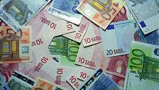 Tỷ giá ngoại tệ ngày 6/12: USD biến động mạnh, thận trọng giao dịch