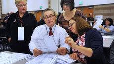 Bắt đầu kiểm lại phiếu bầu Tổng thống Mỹ ở Michigan