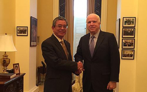 Phạm Quang Vinh, Đại sứ Phạm Quang Vinh, John McCain, Thượng nghị sĩ John McCain, Biển Đông