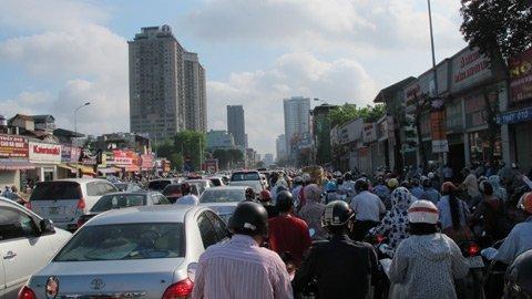 Dự án chung cư 'bức tử' tuyến đường Lê Văn Lương - Tố Hữu