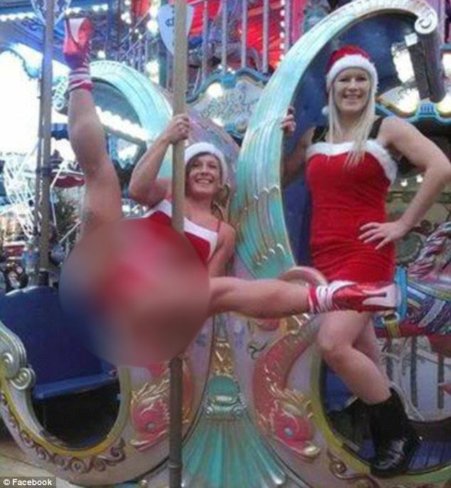 Múa cột giữa chợ giáng sinh