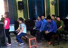 """Màn """"móc túi"""" khách Tây của gái mại dâm Sài Gòn"""