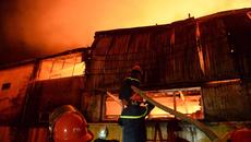 Hà Nội: Cháy dữ dội tại khu công nghiệp La Phù