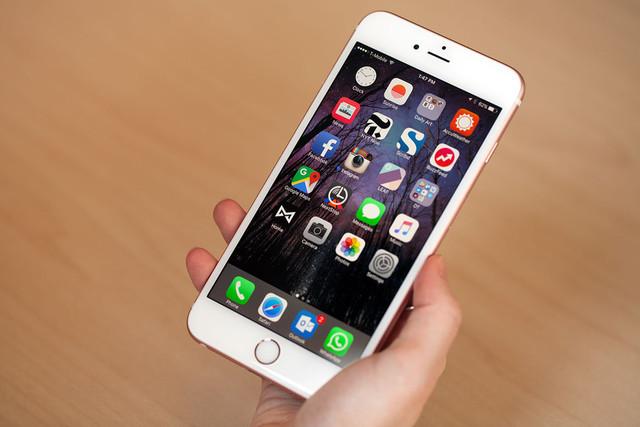 Apple: Pin iPhone 6S bị lỗi từ dây chuyền lắp đặt