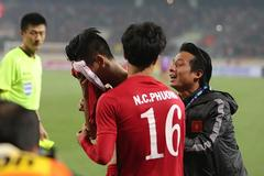 Minh Tuấn ghi bàn thắng vàng cứu Việt Nam