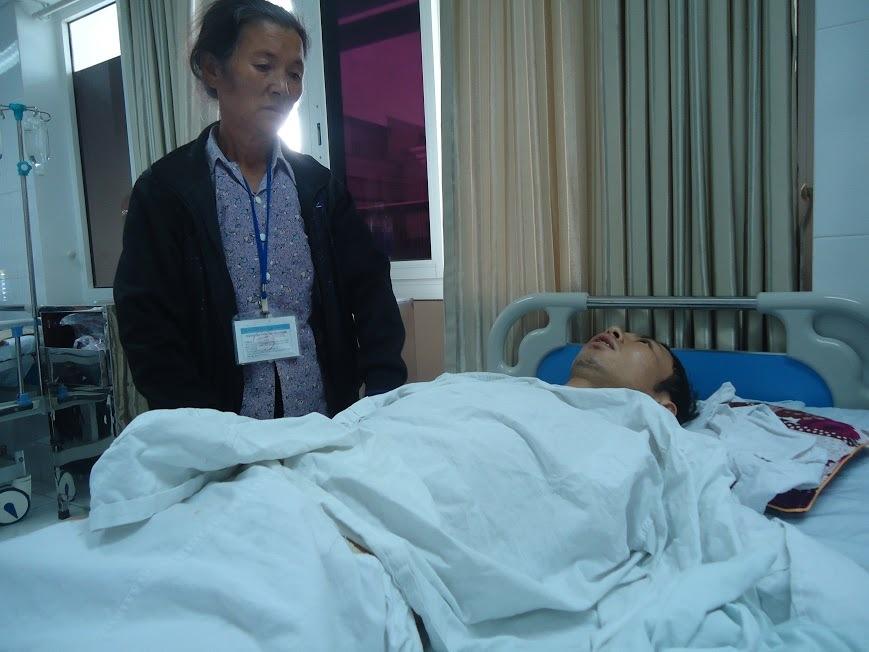 Con trai duy nhất gặp tai nạn thương tâm, mẹ già khóc thảm