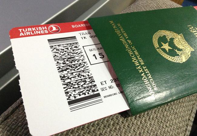 Nhập quốc tịch Việt Nam phải nộp lệ phí 250 USD/người