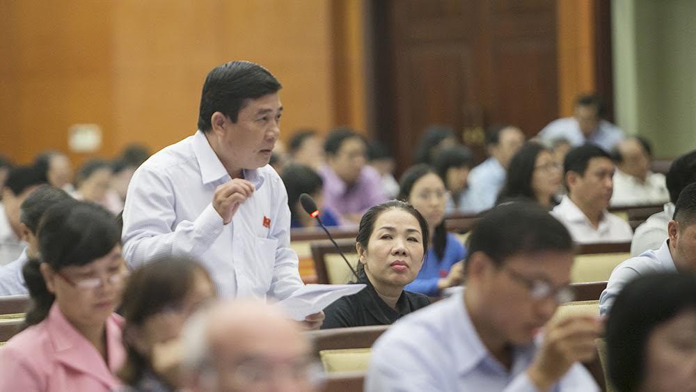 'Giao thông TPHCM tắc nghẽn do xây cao ốc tràn lan'