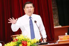 """Chủ tịch TPHCM: 'Hạn chót 31/12 phải """"xử"""" xong bến cóc xe dù'"""