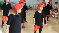 Màn nhảy hip hop của học sinh mẫu giáo hút 4 triệu lượt xem