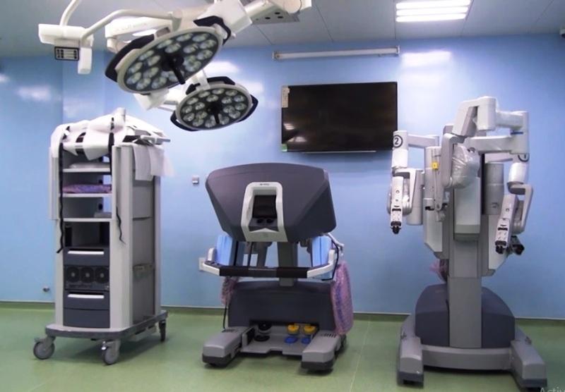 Cận cảnh robot phẫu thuật cho người đầu tiên ở Việt Nam