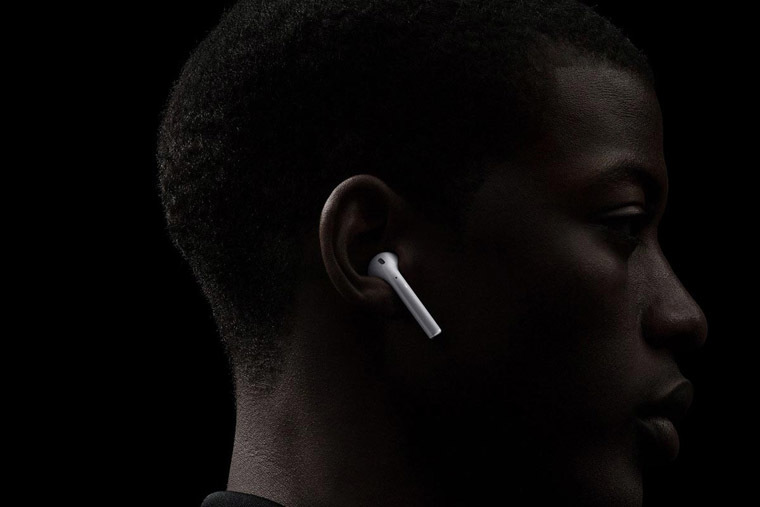 Vì sao Apple hoãn ra mắt tai nghe không dây AirPods?
