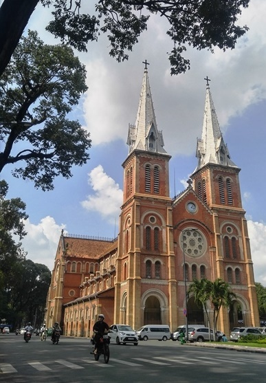 TPHCM, nhà thờ Đức Bà, thay mái ngói, công trình kiến trúc độc đáo, Sài Gòn