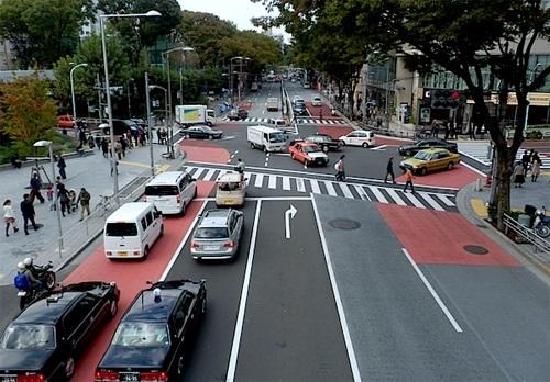 Lý do người Nhật đi xe bên trái lề đường