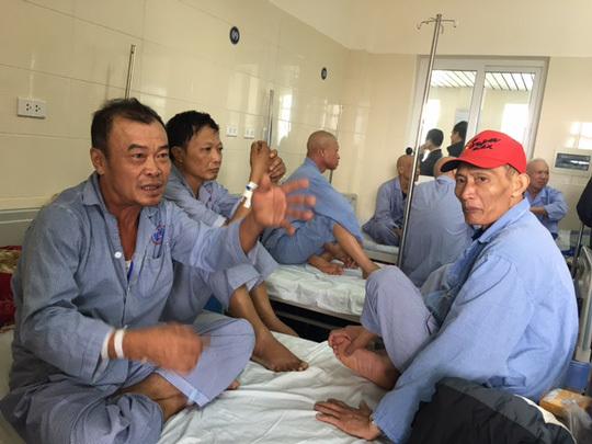 Giám đốc BV tư mổ xẻ chuyện 4 bệnh nhân/giường BV công