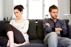 """Vợ đi """"ngủ lang"""", chồng hốt hoảng níu kéo"""