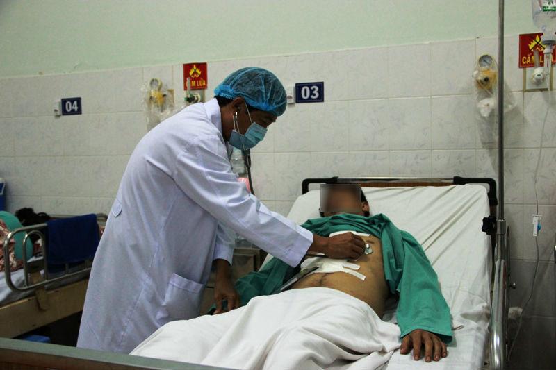Người đàn ông ở Sài Gòn bị đâm thủng tim lúc say xỉn