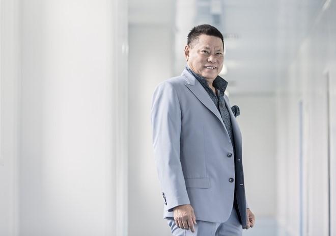 Ngọc Trinh đang yêu tỷ phú người Việt giàu nhất thế giới?