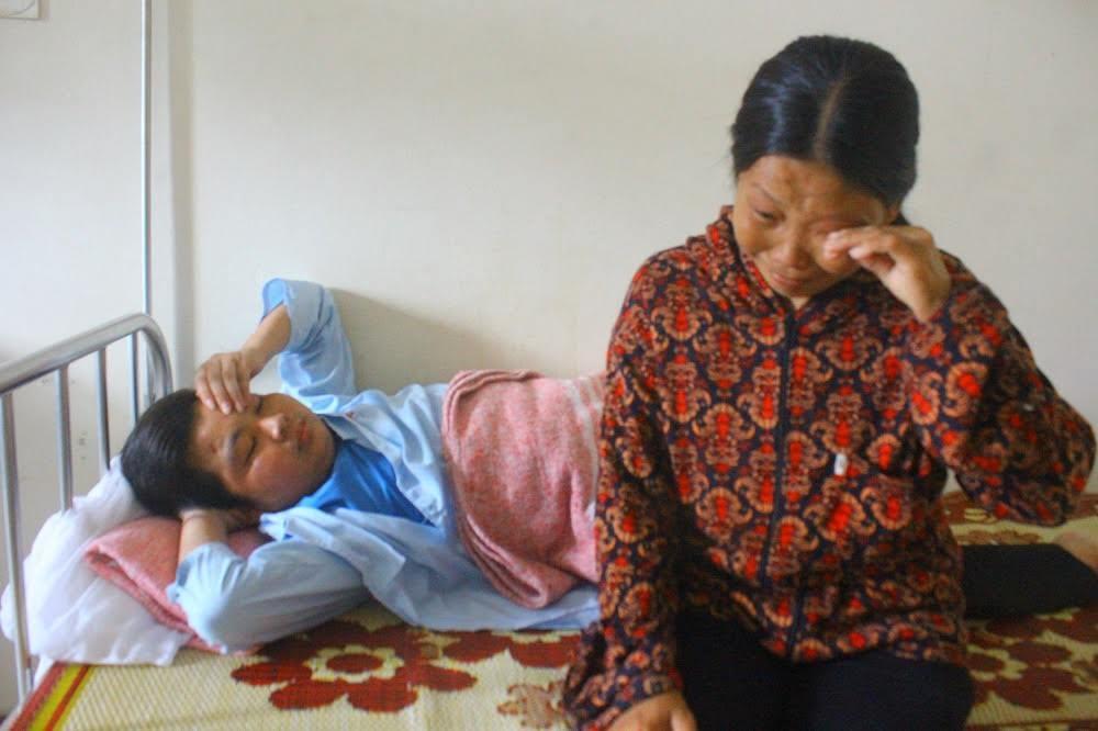 Chồng mất sớm, một mình nuôi con bị bệnh hiểm nghèo