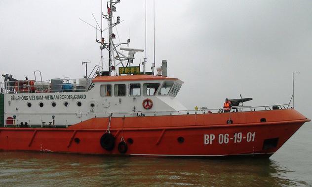 Tàu cá bị đâm chìm, 15 ngư dân cầu cứu ngoài khơi