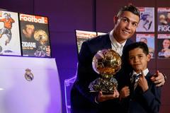 """Ronaldo """"diễn"""" sâu với QBV: """"Thật không thể tin được!"""""""