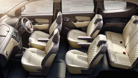 Ô tô Pháp 7 chỗ giá 320 triệu ra thị trường