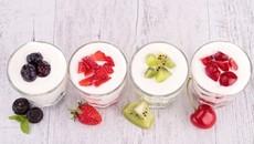 Cách làm sữa chua trái cây ngon mát, tốt cho hệ tiêu hóa