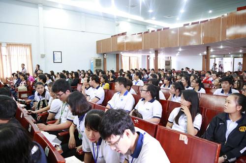 Doanh nghiệp, trường đại học góp sức hướng nghiệp cho học sinh
