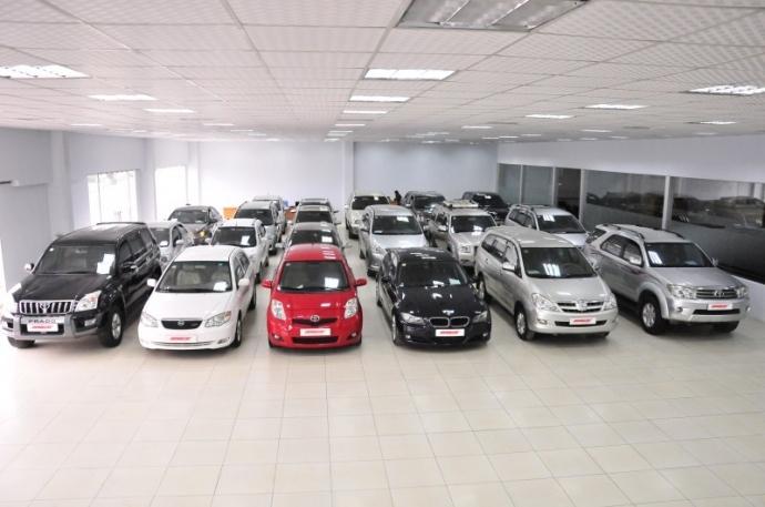 Ôtô cũ đại đại hạ giá: Chịu lỗ cả trăm triệu vẫn khó bán vào dịp cuối năm