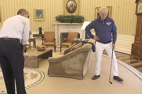 Xem Obama đánh golf trong phòng Bầu dục