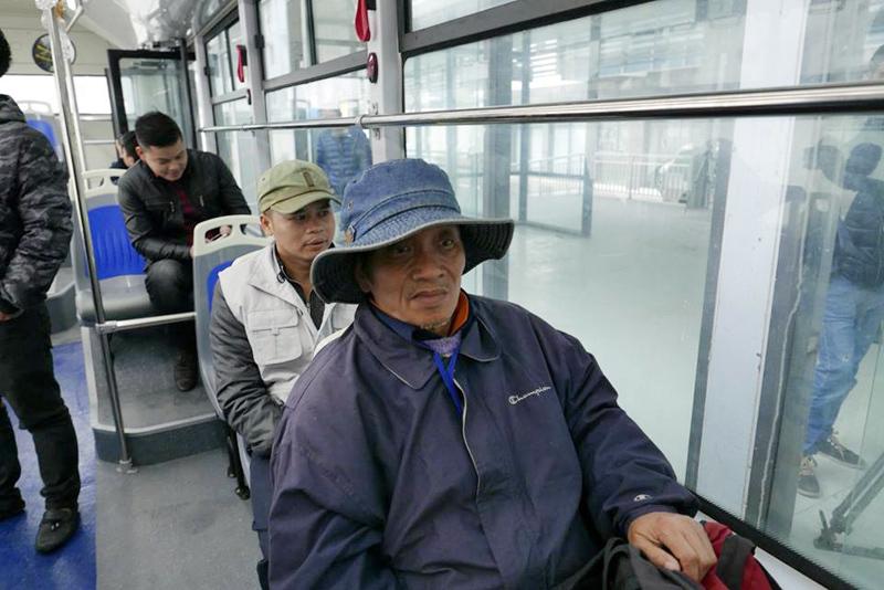 Hà Nội: Xe buýt nhanh chạy thử trong bến Kim Mã
