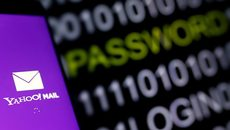 """Hai lần bị hacker """"dội bom"""", số phận Yahoo đang ngàn cân treo sợi tóc"""