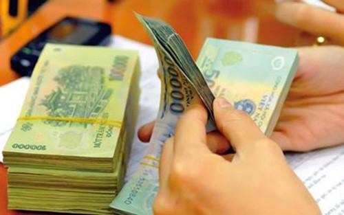 Dẫn đầu về lương, thưởng: Bất động sản lại 'phất như diều'