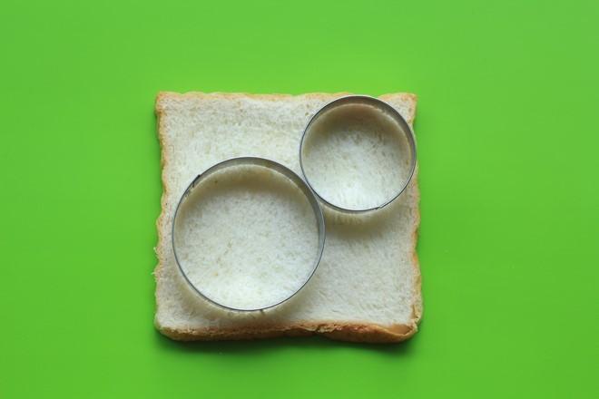 Cách làm bánh mì sandwich người tuyết cho Giáng sinh