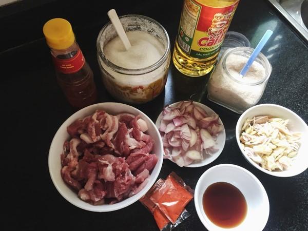 Làm món bún thịt nướng đơn giản đổi vị cho cả nhà