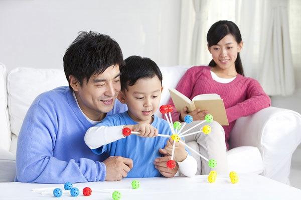 Cần tới 13 tháng để dạy con được một thói quen tốt