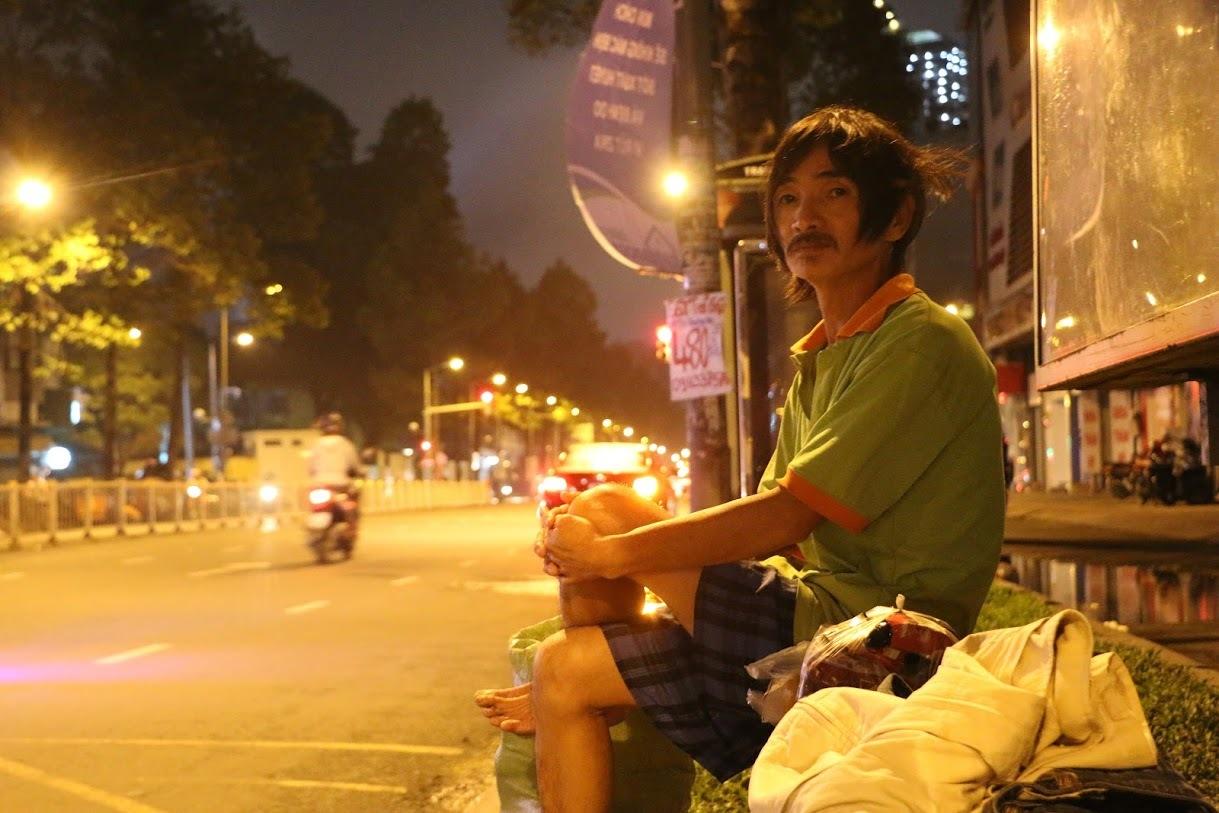 Sài Gòn lạnh, giấc ngủ co ro bên đường