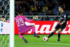 Ronaldo, Benzema đưa Real vào chung kết FIFA Club World Cup