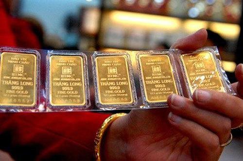 Giá vàng hôm nay 16/12: Tụt giảm, bán tháo - chấn động Donald Trump