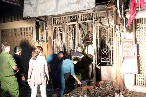 cháy, cháy lớn, cháy nhà khóa trái, cháy lớn ở sài gòn, cháy 6 người chết