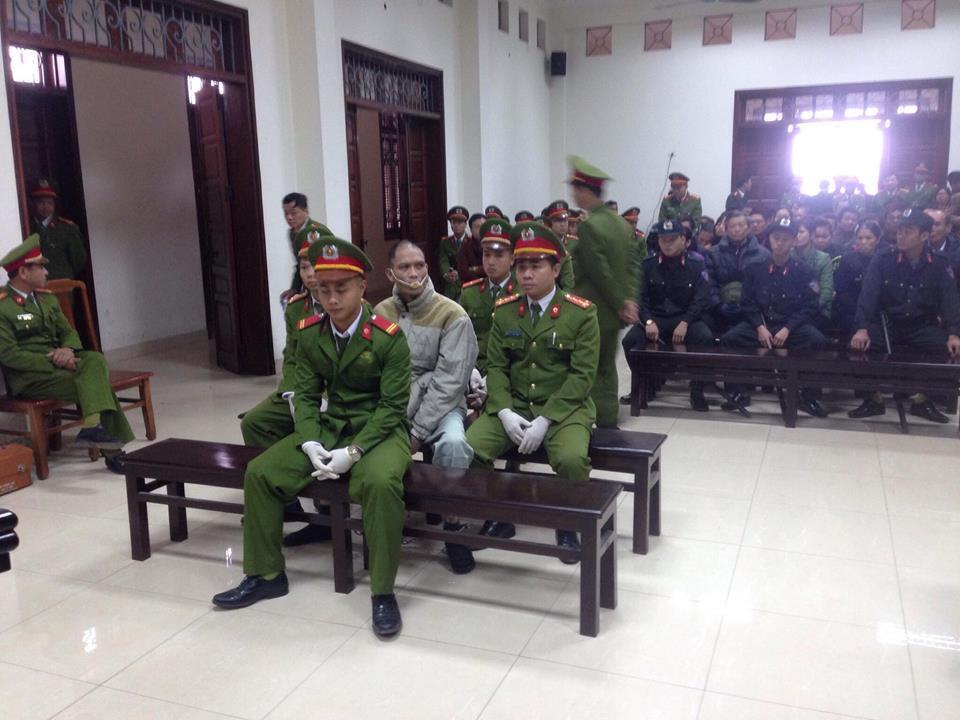 Kẻ giết 4 bà cháu ở Quảng Ninh nhiều lần cắn lưỡi tự tử