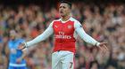 Alexis Sanchez bĩu môi chê mức lương mới ở Arsenal