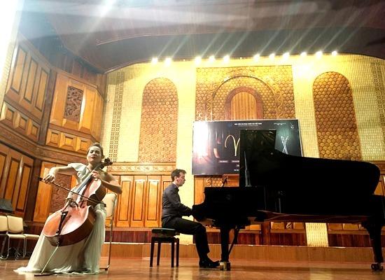 Thưởng thức 'Trống cơm' qua tiếng đàn cello