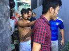 Thanh niên nghi ngáo đá xộc vào nhà dân cố thủ nhiều giờ