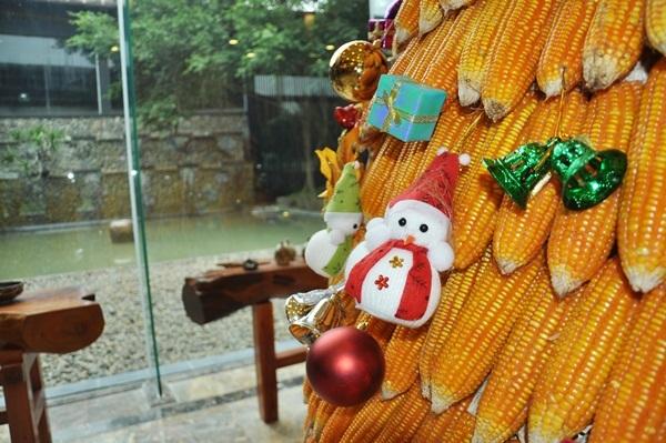 Những mẫu trang trí cây thông Noel ưa chuộng nhất năm 2016