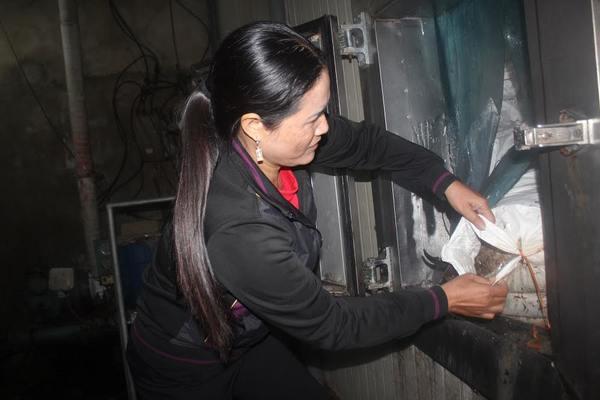 Hà Tĩnh: Hàng trăm tấn hải sản quá hạn, tiểu thương cầu cứu